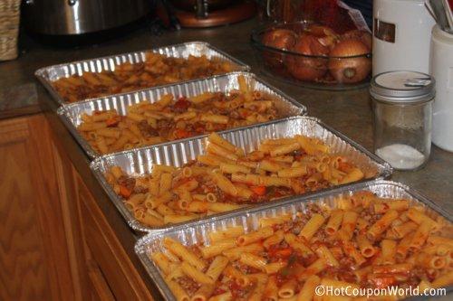 Baked Rigatoni Pasta Freezer Meal {via HotCouponWorld.com} - #FreezerMeal #Pasta #Frugal